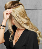 22-inch-Curly-Extension---How-to---3